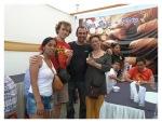 Février 2013 : Jour du Pisco Sour - Avec Greg et Val, une dégustation qui nous a valut une photo dans le journal !   Dia del Pisco Sour - Con Greg y Val, una degustacion que nos dio una foto en el periodico !