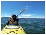 Mars 2013 : Exploration au lac Titicaca -  Mayra en kayak à Llachon  Exploracion en Titicaca - Mayra haciendo kayak en Llachon