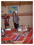 Juin 2013 : Achats d'artisanat dans la maison de Valentin avec Cindy et Antoine  Compras de artesanias en la casa de Valentin en Llachon con Cindy y Antoine