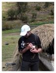 Juin 2013 : Trek de Tishguyoc - Antoine et la petite chèvre.