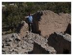 Aout 2013 : Excursion à Yauyos et Lunahuana - Thomas dans des ruines près de Lunahuana  Excursion en Yauyos y Lunahuana - Thomas en las ruinas cerca Lunahuana